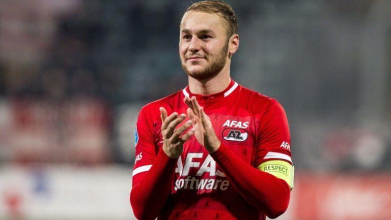 Трима пред дебют за Нидерландия, защитник на Аякс с първа повиквателна