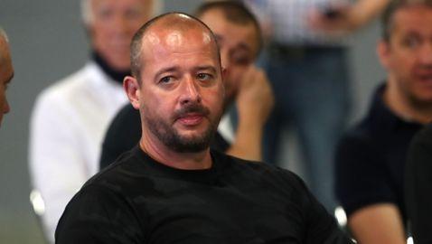 """Лидерът на Сектор """"Б"""" отново захапа Павел Колев и му зададе 9 въпроса"""