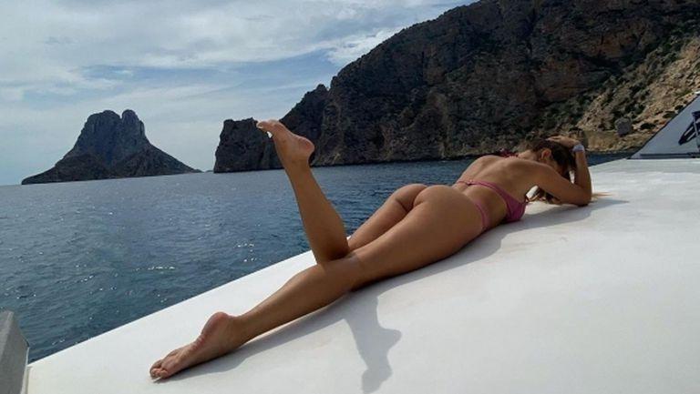 Играч на Лацио се фука със секси модел (снимки)