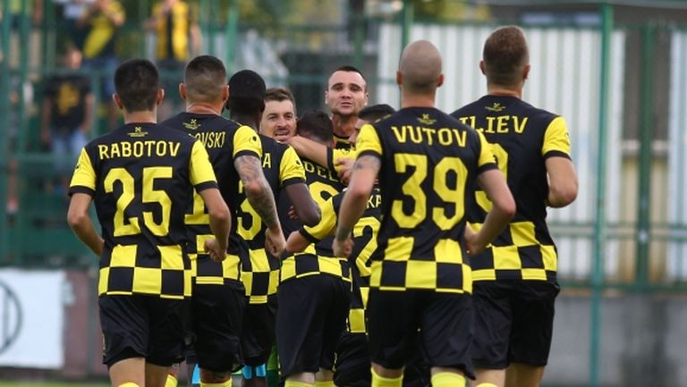 Скандал в Ботев (Пловдив) - звездите срещу новите шефове