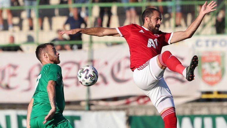 Стамен Белчев дава почивка на Тиаго срещу Сиренс