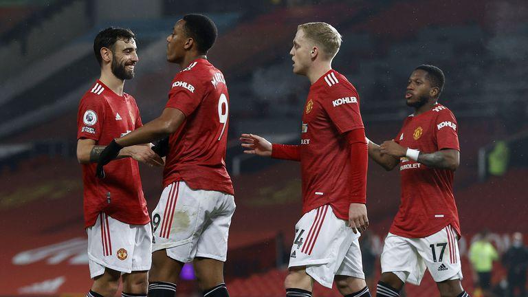 В Нюкасъл обсъждат четирима футболисти на Манчестър Юнайтед, за единия вече е осъществен контакт