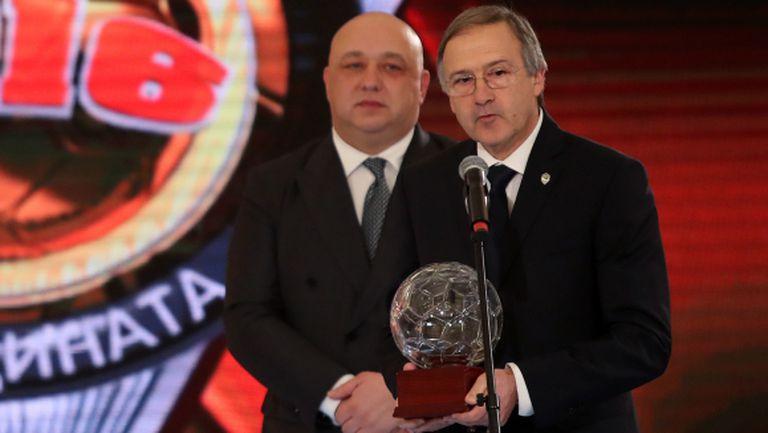 Георги Дерменджиев изпревари Мъри за треньор №1 на България