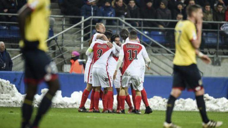 Дузпи измъкнаха Монако за Купата на лигата
