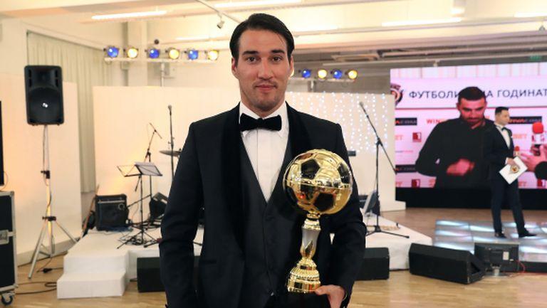 Футболист №1 на България остава в Спартак поне до лятото