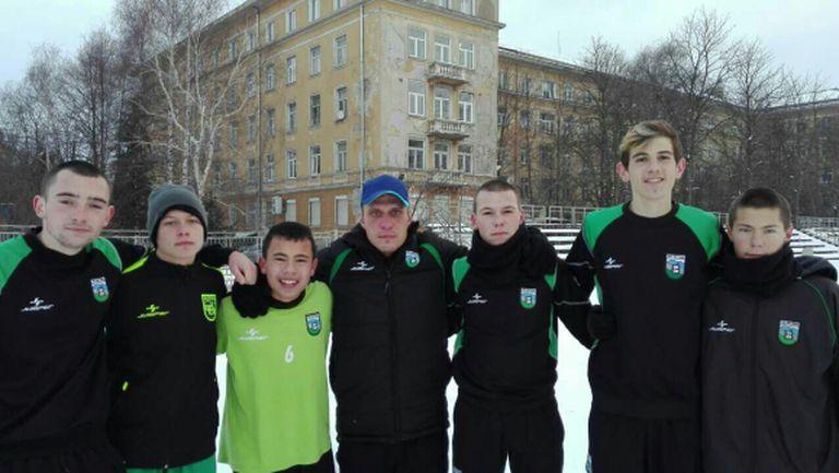"""Осмокласник и още шестима юноши на Витоша """"вкусиха"""" от мъжкия футбол"""
