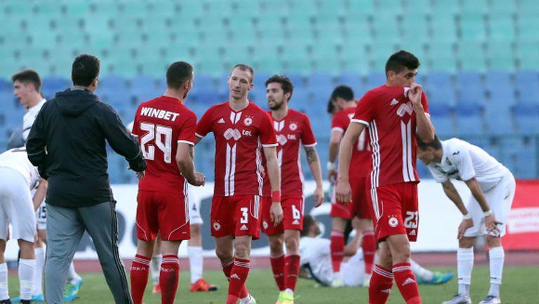 """""""Червен"""" бранител: Играхме със силни отбори, не са като тези в България, с които няма да имаме проблеми"""
