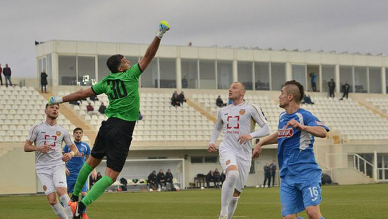 Победа за Арсенал в първия мач на Иван Иванов