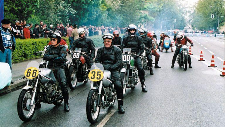 1952: годината на 3-цилиндровия състезателен мотоциклет на DKW