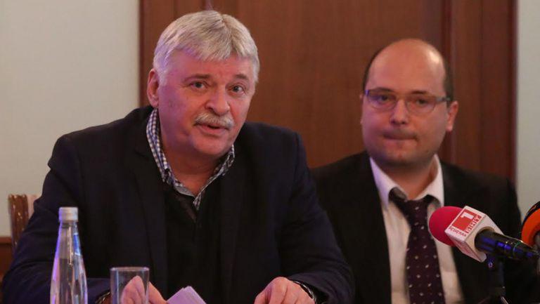 Емил Данчев: Няма нищо вярно в спекулациите за бъдещето на Бербатов