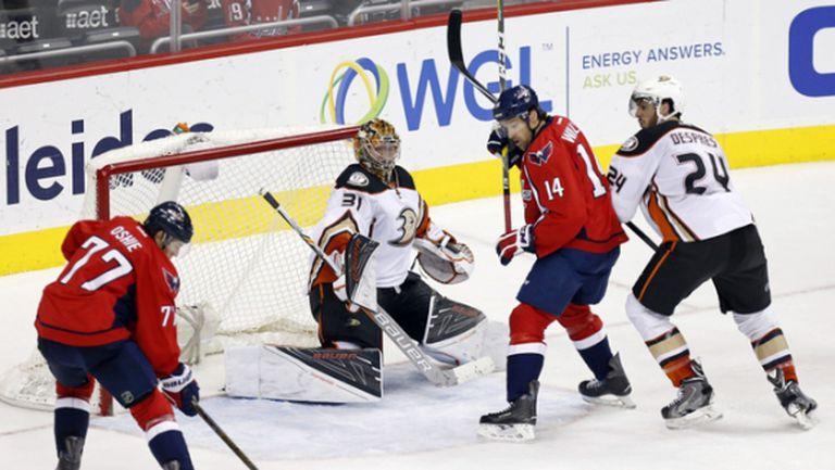 Вашингтон с дванадесети пореден домакински успех и рекорд в НХЛ