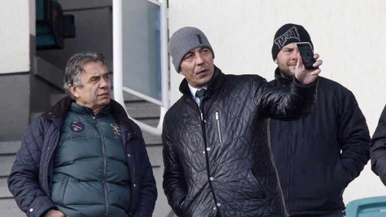 Петричев се сдърпа със стюард