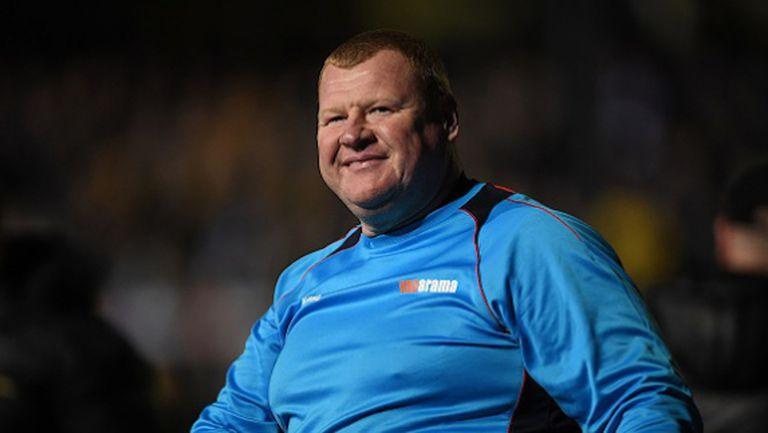 """45-годишният вратар на Сътън напусна клуба след """"Пай-гейт"""""""