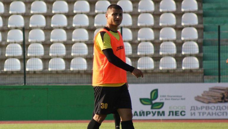 Ботев (Пловдив) освободи млад нападател