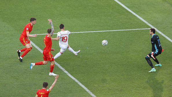 ВАР се намеси решително и отмени гол за Швейцария в края на мача срещу Уелс