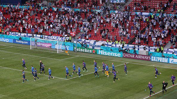 Футболистите на Дания и Финландия сами пожелаха да доиграят прекъснатия двубой