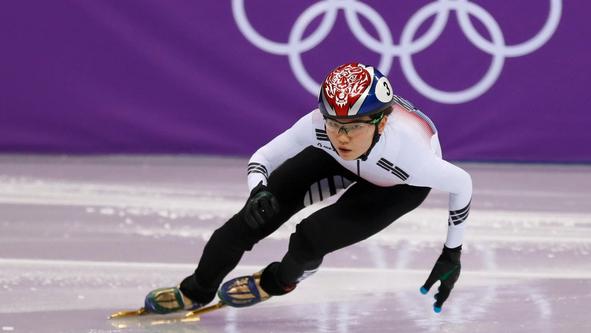 Двукратната олимпийска шампионка по шорттрек Сук Хи Шим от Република Корея е отстранена от тренировките на националния отбор