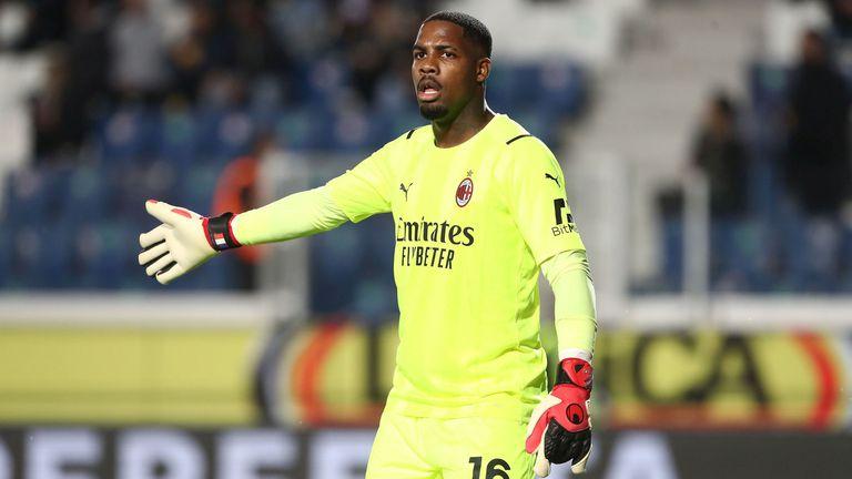 Вратарят на Милан ще се подложи на операция