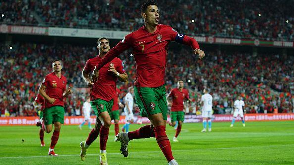 Португалия разби Люксембург с 5:0 с хеттрик на Роналдо