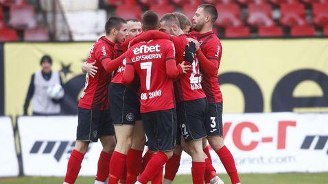 Край на чакането! Локомотив (София) се завърна в елита на българския футбол (видео) ⚽
