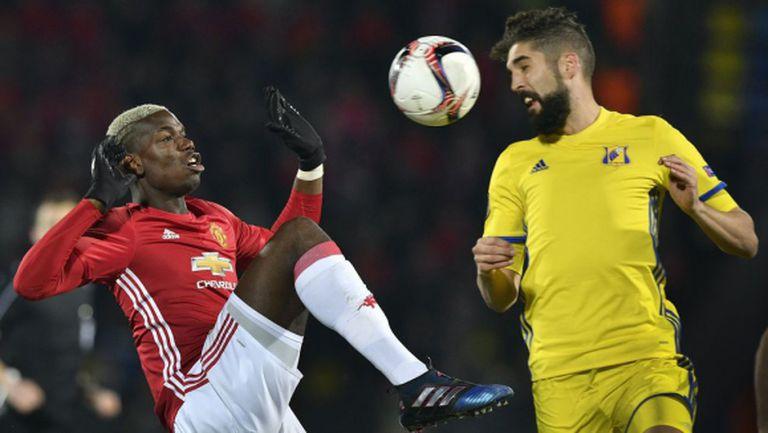 Юнайтед стигна до удобен резултат с никаква игра (видео + галерия)