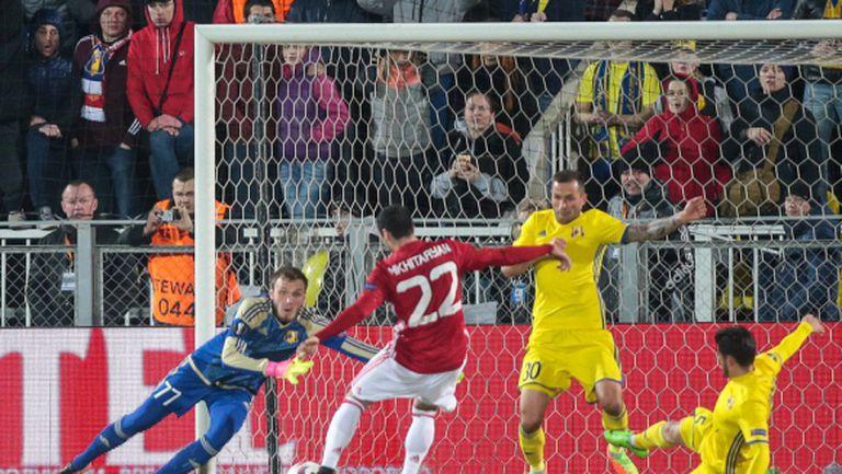 Мхитарян се оплака от терена след 1:1 с Ростов