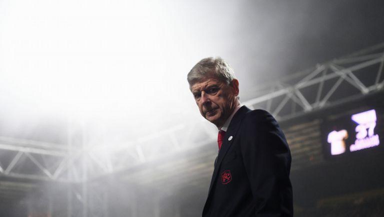 Протестното шествие на феновете на Арсенал срещу Венгер (видео)