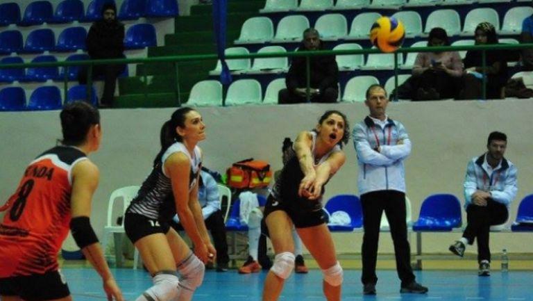 Ева Янева с поредна загуба, Деси Николова с победа в Турция