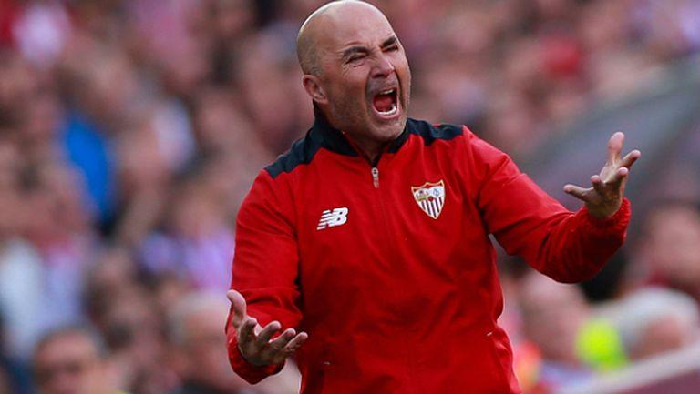Севиля загуби трима ключови футболисти заради националните отбори