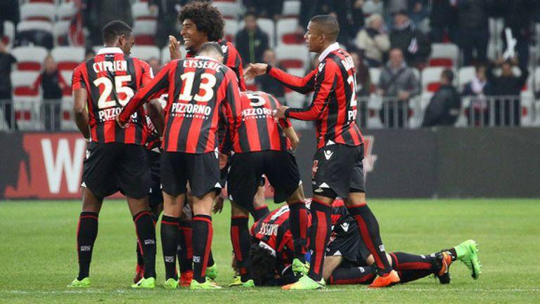 Дубъл на Балотели изведе Ница втори в Лига 1