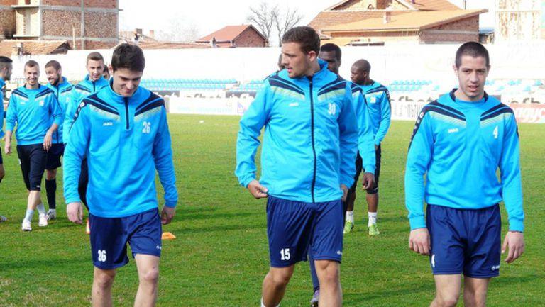 Монтана остави извън групата четирима титуляри за мача със Славия