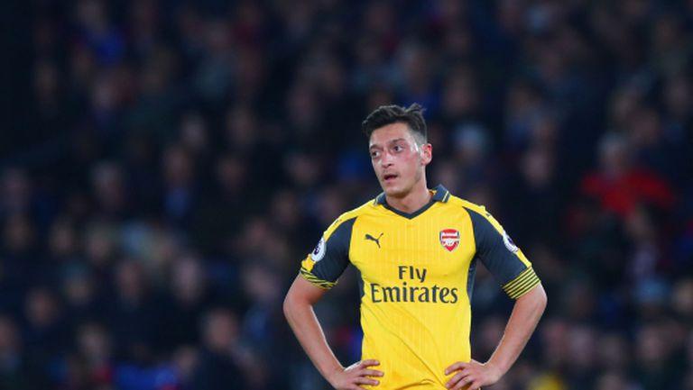 Йозил: Арсенал трябва да се поучи от грешките си