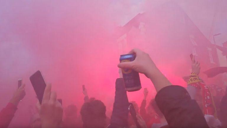 Уникално: Вижте как надъхаха Ливърпул преди мача