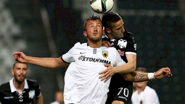Напрежение между играчи на ПАОК и АЕК след края на срещата