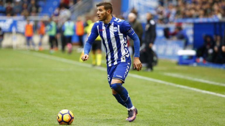 Барса изпреварва Реал Мадрид за Тео, Алба отива под наем