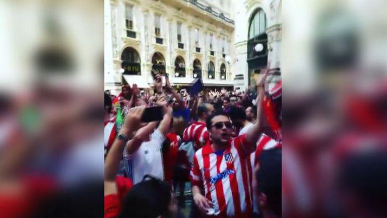 Радост за феновете на Атлетико по улиците на Милано преди финала