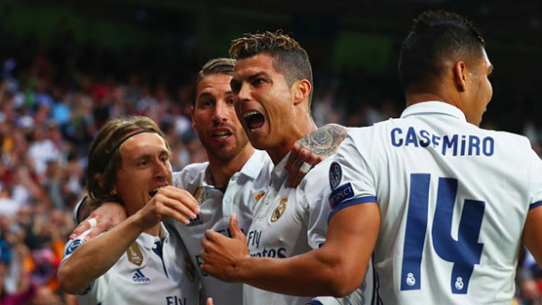 Три куршума на Кристиано повалиха Атлетико, Реал гледа към финала в Кардиф (видео)