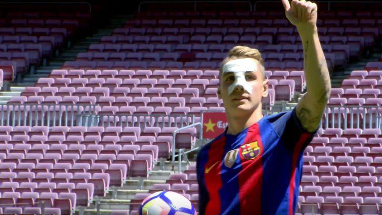 Барселона представи Люка Дин