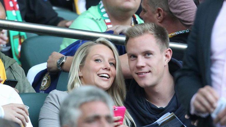 Футболист на Барселона се оженил тайно