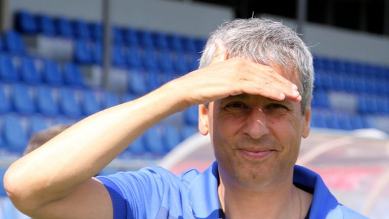 Борусия (Д) се договори с треньор, но клубът му не го пуска