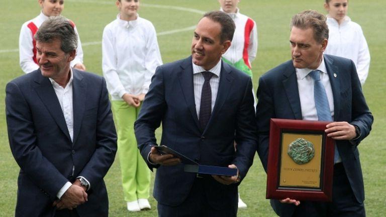 Кирил Домусчиев се похвали с поздрав от боса на ФИФА