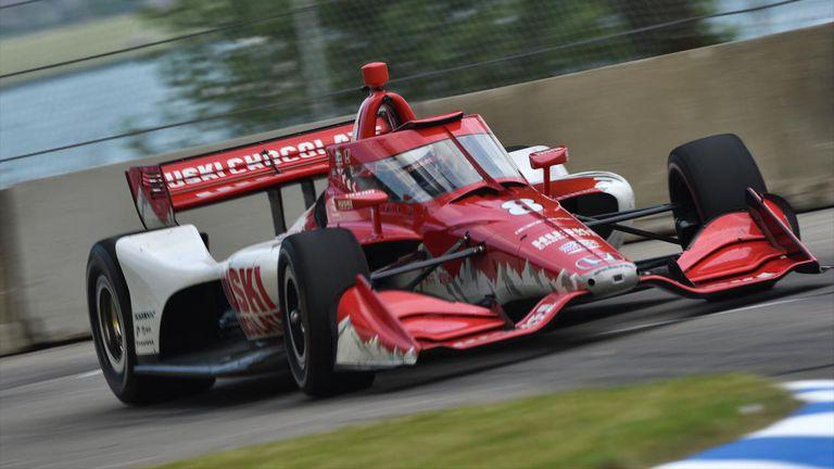 Маркус Ериксон с първа победа в Индикар, пилот в болница след катастрофа