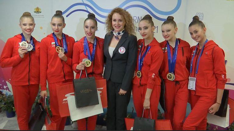 Мария Петрова поздрави и прегърна ансамбъла