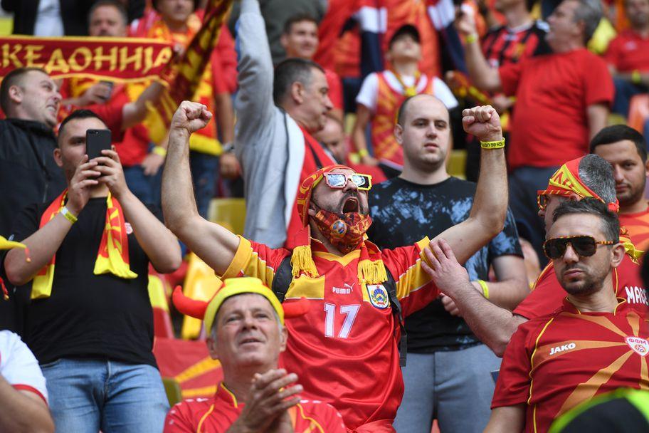 Феновете на Северна Македония подлудиха Букурещ