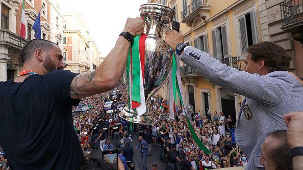 Обвиняват шефа на футбола в Италия за новия взрив на заразени с коронавирус