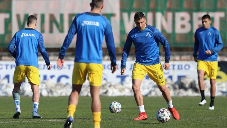 Сините на Стоянович ще спират негативната си серия с мача във Враца