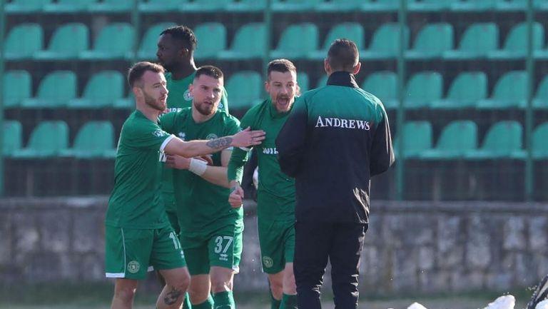 Ботев (Враца) поведе на Левски след гол на Костадин Ничев