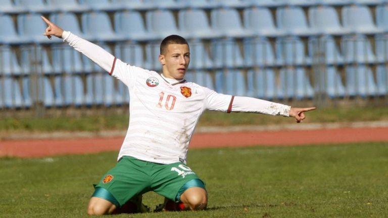 България без първите си двама капитани срещу Англия на Евро 2017