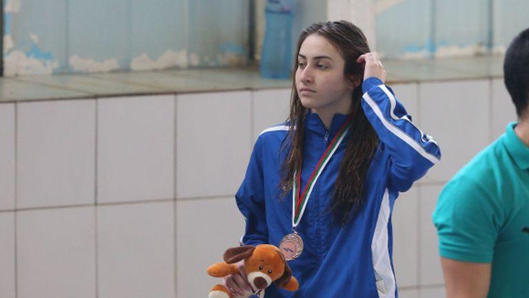 Диана Петкова на финала на европейското на 50 метра свободен стил