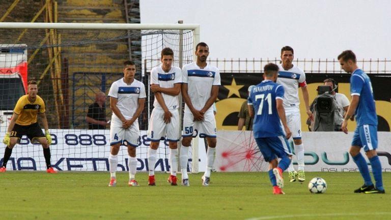 Сутиеска прави вратарска промяна за реванша срещу Левски